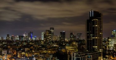 Tel Aviv con la maleta viajera